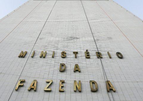 Fazenda já procura substitutos para vice-presidentes da Caixa